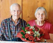 Marlies und Emil Aggeler können in Sax die diamantene Hochzeit feiern. (Bild: Hansruedi Rohrer)