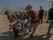 Bei der jüngsten Gewalt in Gaza an der Grenze zu Israel kamen mindestens 59 Palästinenser ums Leben. Gegen 2800 Personen wurden verletzt. (Bild: Keystone/EPA/MOHAMMED SABER)