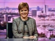 Die schottische Regierungschefin Nicola Sturgeon dürfte zufrieden sein: Das Regionalparlament in Edinburgh folgte ihrer Empfehlung und lehnte das Brexit-Gesetz der britischen Regierung ab. (Bild: KEYSTONE/EPA BBC/JEFF OVERS / BBC / HANDOUT)