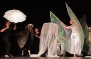 Im Rahmen der «Kulturbühne 2018» zeigten Carmen Puccio und ihr Tanztheaterhaus Divertimento in Aadorf die Produktion «zugedeckt und aufgedeckt». (Bild: Maya Heizmann (4. Mai 2018))