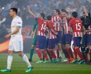 Die spanischen Spieler jubeln über den Sieg im Europa-League-Final. (Keystone)