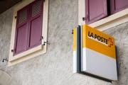 Auf dem Land verbessert sich den Zugang zu den Poststellen und -agenturen. (Keystone/Jean-Christophe Bott, 7. Juni 2018, Donnelyoe)