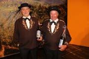 Sepp Gisler (links) wurde für 40 und Ernst Zumbühl gar für 45 Jahre aktive Mitgliedschaft geehrt. (Bild: Otmar Näpflin)