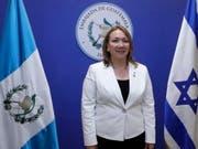 """Sprach von einem """"historischen Tag"""": Guatemalas Botschafterin Sara Solis bei der Eröffnung der guatemaltekischen Botschaft in Jerusalem. (Bild: Keystone/EPA REUTERS POOL/RONEN ZVULUN / POOL)"""