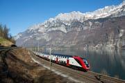 Die neuen Fernverkehr-Doppelstockzüge, hier am Walensee, sollen künftig auch im Rheintal fahren. (Bild: Dario Häusermann/SBB)