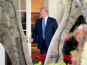 US-Präsident Donald Trump verfügte vor dem Einzug ins Weisse Haus 2016 über ein Vermögen in der Höhe von 1,4 Milliarden Dollar. (Bild: KEYSTONE/AP/ANDREW HARNIK)