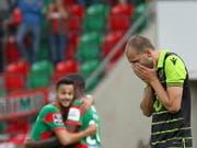 Bas Dost (rechts) wurde auf dem Trainingsgelände von Sporting Lissabon von Vermummten am Kopf verletzt (Bild: KEYSTONE/EPA LUSA/HOMEM DE GOUVEIA)