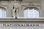 Die Vollgeld-Initiative will der Schweizerischen Nationalbank mehr Macht geben. Bild: Keystone/Gaetan Bally, 12. März 2018