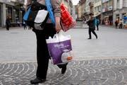 Nach Herzenslust shoppen - das ist der Traum vieler. Doch wie lange sollen die Läden geöffnet sein?