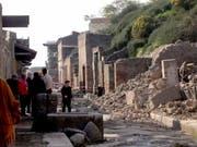 Die antike Römer-Stadt Pompeji am Golf von Neapel: Noch immer gibt es Teile der Stätte, die noch nicht freigelegt sind. (Bild: KEYSTONE/AP/FRANCO CASTANÒ)