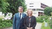 Annette Badillo übergibt die Direktion des Kurhotels und Residenz Sonnmatt an Urs Niffeler. Bild: Balz Bruder (Luzern, 15. Mai 2018)