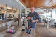 Koch Claudio Fele will im «Sicilia» künftig auch auf wechselnde Weinspezialitäten setzen. (Bild: Corinne Allenspach)