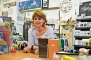 Ein schmerzvoller Abschied: Gabriela Meile schliesst schon bald ihren Bastel- und Geschenksladen. (Bild: Evi Biedermann)