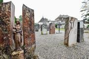 Der Kiesplatz mit alten Grabsteinen auf dem Friedhof Bernrain gefällt nicht allen. (Bild: Donato Caspari)