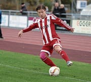 Lief letztmals mit dem Fanionteam des FC Sarnen auf dem Sportplatz Seefeld auf: der 34-jährige Mittelfeldspieler Pascal Bucher. (Bild: Corinne Glanzmann (Sarnen, 22. Oktober 2016)