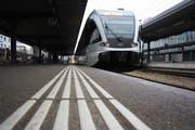 Am Bahnhof Wil drohen am den Fahrplanwechsel im Dezember 17 Minuten längere Wartezeiten. (Bild: Simon Dudle)