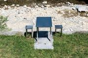 Der Tisch von Roman Signer, aufgenommen am 5. August 2013 in Appenzell. (KEYSTONE/Christian Beutler)