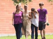 An einer Highschool bei Houston im US-Staat Texas erschoss ein 17-jähriger Schüler am Freitag mindestens zehn Menschen. (Bild: KEYSTONE/AP Houston Chronicle/MARIE D. DE JESUS)