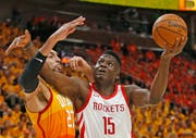 Clint Capela, Center der Houston Rockets. Bild: Rick Bowmer/AP (SaltFriday, 4. Mai 2018)