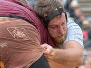Matthias Aeschbacher griff am Oberaargauischen kräftig zu (Bild: KEYSTONE/MARCEL BIERI)