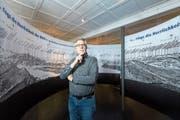 Museumsleiter Jörg Ch. Diehl im begehbaren Panorama der Ausstellung «360 Grad». (Bild: Eveline Beerkircher (Vitznau, 17. Mai 2018))