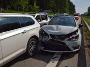 Eine Auffahrkollision hat am Freitagnachmittag auf der Autobahn A1 im Kanton Solothurn fünf Verletzte gefordert. (Bild: Kantonspolizei Solothurn) (Bild: Kantonspolizei Solothurn)
