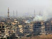 Zerstörung überall: Ein südliches Stadtviertel in der syrischen Hauptstadt Damaskus (Aufnahme vom 28. April 2018). (Bild: KEYSTONE/EPA/YOUSSEF BADAWI)