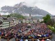 Lebendige Tradition und gelebte Demokratie: An der Landsgemeinde lenken die Glarnerinnen und Glarner jedes Jahr Anfang Mai die Geschicke des Kantons. (Bild: KEYSTONE/GIAN EHRENZELLER)
