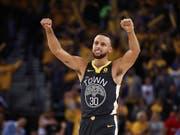 Stephen Curry überzeugt bei seinem Comeback für Golden State (Bild: KEYSTONE/AP/BEN MARGOT)