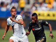 Rolf Feltscher (links) steht LA Galaxy rund vier Monate nicht zur Verfügung (Bild: KEYSTONE/AP/JAE C. HONG)