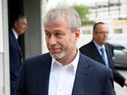 Der russische Milliardär Roman Abramowitsch musste sich in Freiburg vor Gericht verantworten. (Bild: KEYSTONE/AP Keystone/ANTHONY ANEX)