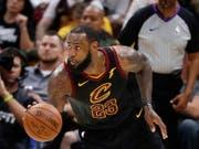 LeBron James (im Bild) führte Cleveland zu einem deutlichen Heimsieg über die Boston Celtics (Bild: KEYSTONE/EPA/DAVID MAXWELL)