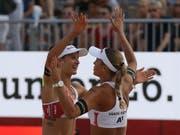 Joana Heidrich (links) und Anouk Vergé-Dépré - im Bild an der WM im letzten Jahr - stehen zum ersten Mal auf der World Tour in einem Final (Bild: KEYSTONE/AP/RONALD ZAK)