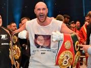 Tyson Fury im November 2015 nach seinem gewonnen WM-Kampf gegen Wladimir Klitschko (Bild: KEYSTONE/AP/MARTIN MEISSNER)