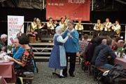 Zur Musik der der Bandella di Bedano aus dem Tessin wurde auch getanzt. (Bild: Urs Hanhart, Altdorf, 19. Mai 2018))