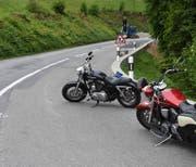 Die Motorradfahrerin wurde mit unbestimmten Verletzungen mit der Rega ins Spital geflogen. (Kapo SG)