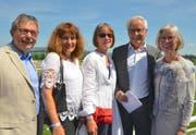 Hans Peter Schmid, Amtsleiter Bevölkerungsschutz und Armee TG, mit Ehefrau Beatrice Schmid, Catherine und Walter Strässle, CEO Griesser Gruppe Aadorf, und Gemeinderatspräsidentin Susanna Dreyer.
