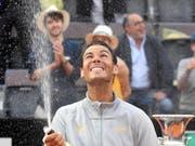 Viel Grund zum Feiern: Rafael Nadal ist nach seinem Turniersieg in Rom wieder die Nummer 1 (Bild: KEYSTONE/EPA ANSA/ETTORE FERRARI)