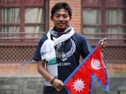 Der japanische Bergsteiger Nobukazu Kuriki ist bei seinem achten Anlauf am Mount Everest gestorben. (Bild: KEYSTONE/AP/BIKRAM RAI)