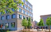 Die Uzwiler Stimmberechtigten bewilligten vor fünf Jahren einen Kredit von 19,3 Millionen Franken für das neue Gemeindehaus. Die definitive Bauabrechnung liegt noch nicht vor. (Bild: Philipp Stutz)