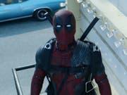 """Auch im Sequel """"Deadpool 2"""" sieht sich der Mutant Wade Wilson mit kolossalen Problemen konfrontiert. In der Schweiz wollten das am Pfingstwochenende 90'000 der insgesamt 150'000 Kinogänger sehen. Weltweit spielte der Film an seinem Eröffnungswochenende weit über 300 Millionen Dollar ein. (Bild: Pressebild)"""