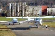 Auf dem Flugplatz Kägiswil sind Massnahmen geplant, die den Lärm reduzieren sollen. Bild: Markus von Rotz (7.März 2015)