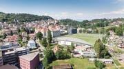 Blick auf den heutigen Sportplatz Espenmoos und die Wohngebiete darum herum. Rechts die Familiengärten. (Bild: Hanspeter Schiess)