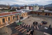 Das Asylzentrum Grosshof in Kriens. (Bild: Nadia Schärli, 24. November 2017)