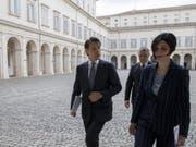 Ein Neuling auf dem Weg, Regierungschef zu werden: Giuseppe Conte im Hof des Quirinal-Palasts in Rom. (Bild: KEYSTONE/QUIRINAL PRESS OFFICE HANDOUT)
