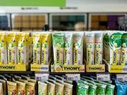 In den kommenden Wochen will Nestlé zwei Dutzend neue Thomy-Produkte auf den Markt bringen. (Bild: KEYSTONE/GAETAN BALLY)