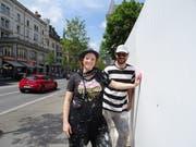 Das Künstlerduo Queenkong: Vero Bürgi (links) und Marco Schmid. Bild: PD