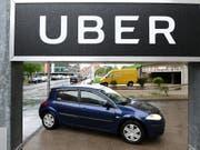 Der Fahrdienstvermittler Uber ist zum Jahresbeginn weiter kräftig gewachsen. (Bild: KEYSTONE/APA/APA/HELMUT FOHRINGER)