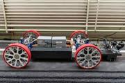 """Das Fahrgestell des neuen Prototyps """"Mujinga"""" von Swissloop. (KEYSTONE/Patrick Huerlimann)"""