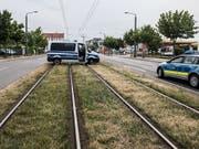 Bis Abschluss der Entschärfungsarbeiten waren in Dresden etliche Verkehrswege gesperrt. (Bild: KEYSTONE/EPA/FILIP SINGER)